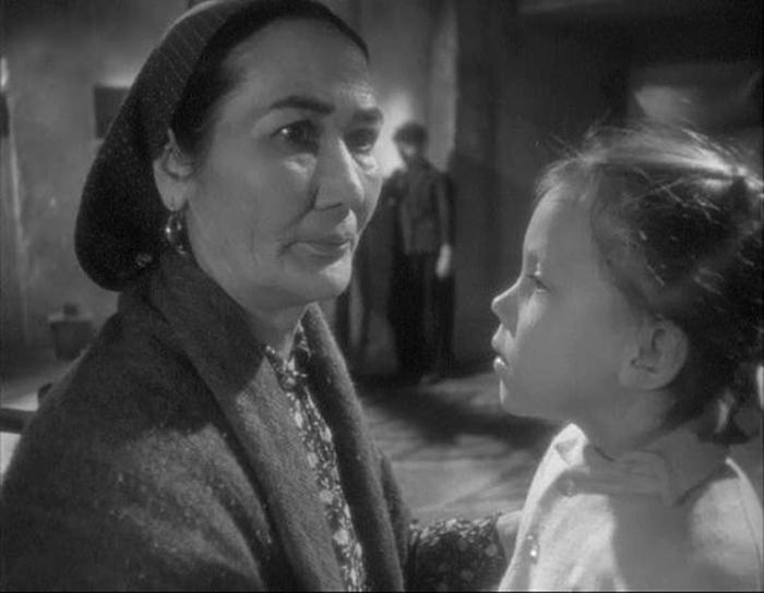 Героиня кинокартины «Ты не сирота», прототипом которой стала Бахри. /Кадр из фильма