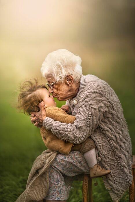 Руби с бабушкой.