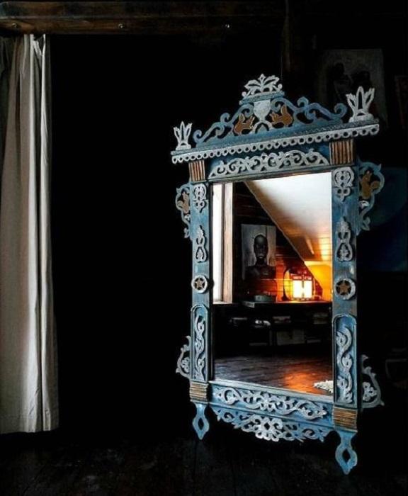 Эффектное зеркало. /Фото: instagram-аккаунт @made.in.august