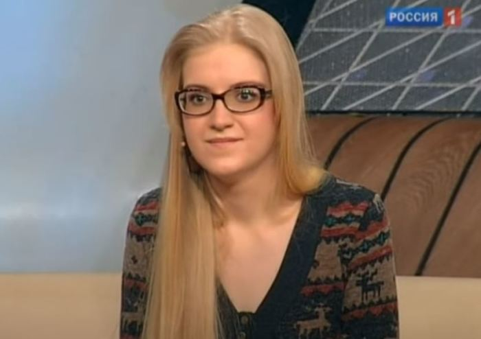 Родная дочка актёра Алевтина.