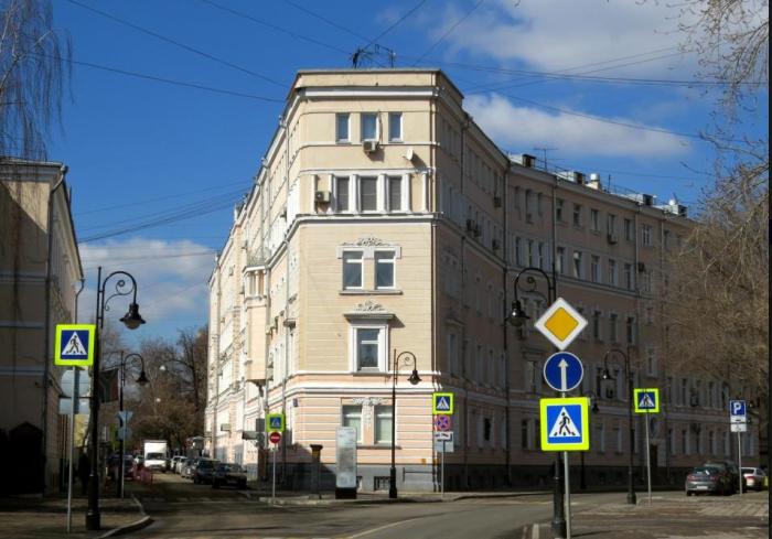 Современный вид Дома-утюга купцов Армянских. /Фото:wikimapia.org