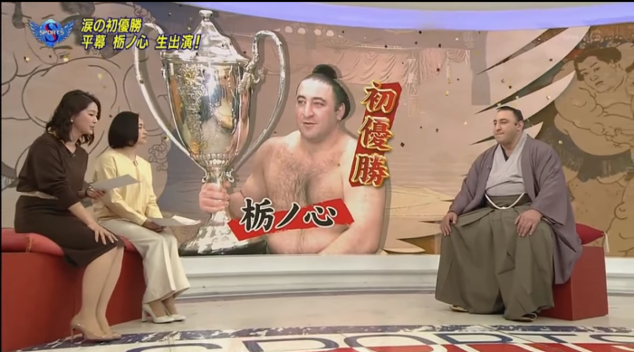 Леван - герой передачи на японском телевидении. Свободно говорит по-японски с ведущими. Правда, с грузинским акцентом. /Кадр из местной телепрограммы