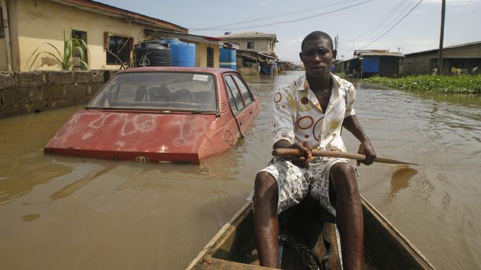 Наводнения уносят жизни людей. /Фото:newsinafrica.co
