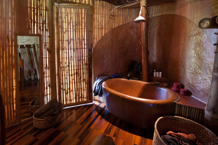 Бамбуковый дом со всеми удобствами. /Фото:boredpanda.com
