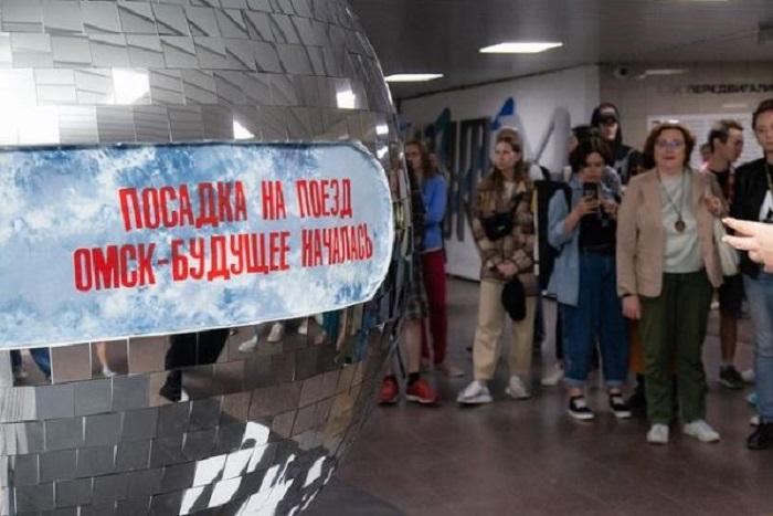 Открытие выставки в переходе в конце июня. /Фото: паблик «Проекта М» в соцсети