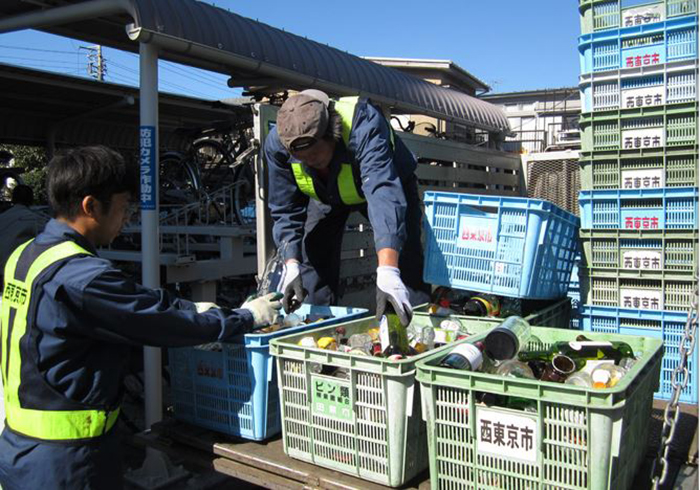 В Японии уже давно практикуется раздельный сбор отходов. /