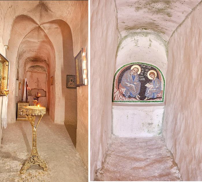 В таких пещерах жили старцы. /Фото:kostomarovo.ru