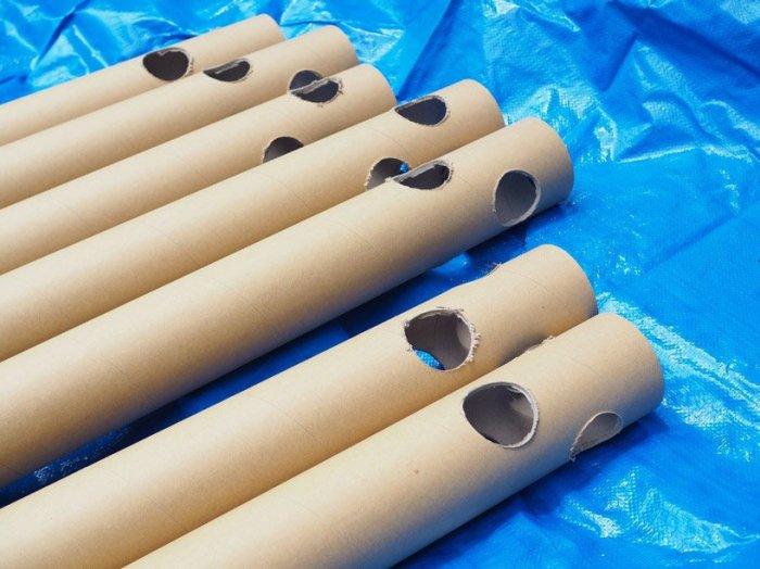 Картонные трубки, на основе которых он строит быстровозводимые конструкции. /Фото:allamericansthings.com