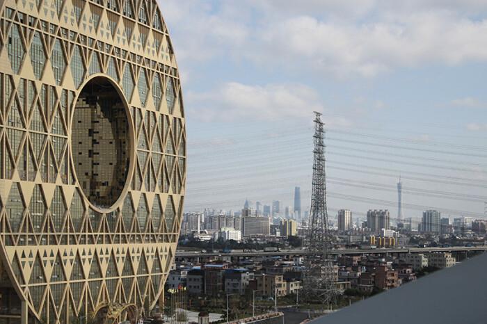 Круглый небоскрёб был спроектирован итальянским архитектором. /Фото: Joseph di Pasquale architect