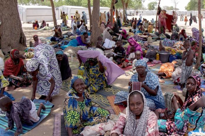 Женщины-беженки, потерявшие кров в результате вооруженного конфликта. /Фото:Jesus Serrano Redondo icrc.org