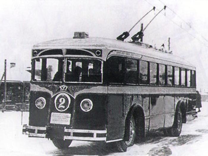 Один из первых троллейбусов в Ленинграде. /Фото:getmuseum.ru