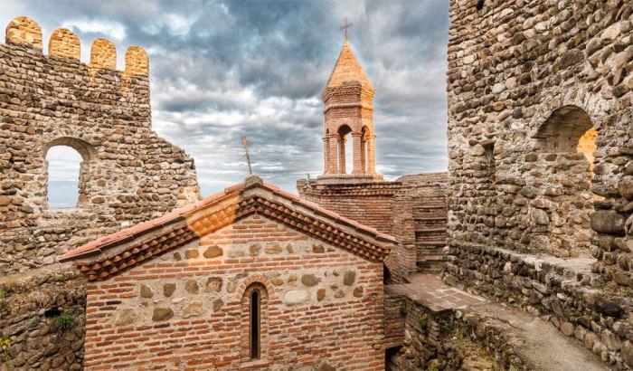 Гордость городка - его старинная крепость, которую за несколько веков никому не удалось сокрушить. /Фото:/v-georgia.com