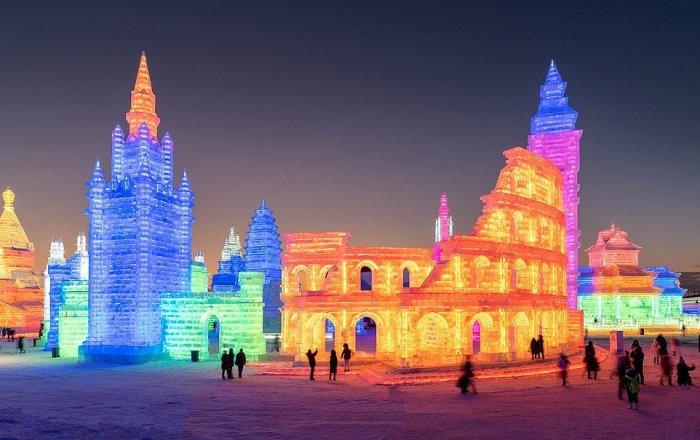 Фестиваль в Харбине собрал более 60 мастеров ледяной скульптуры со всего мира. /Фото:pronedra.ru
