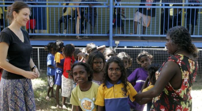 Не все аборигены учатся и не вся австралийцы относятся к ним как к равным. /Фото:voanews.com