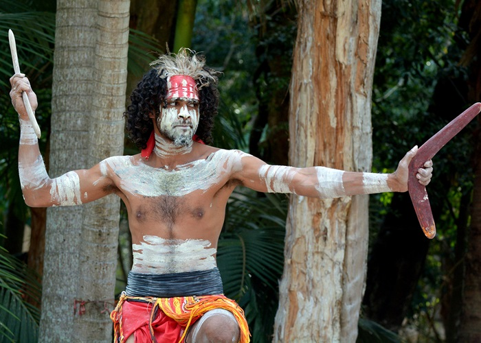 Первыми в мире использовать бумеранги начали именно коренные австралийцы. /Фото:orientaltravel.ru