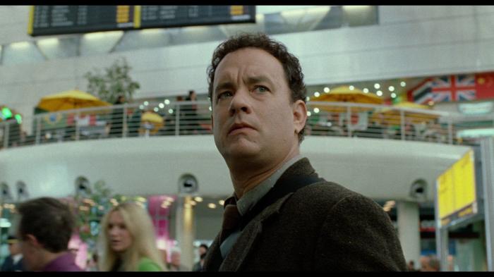 Узник терминала в исполнении Тома Хэнкса. /Кадр из фильма С. Спилберга