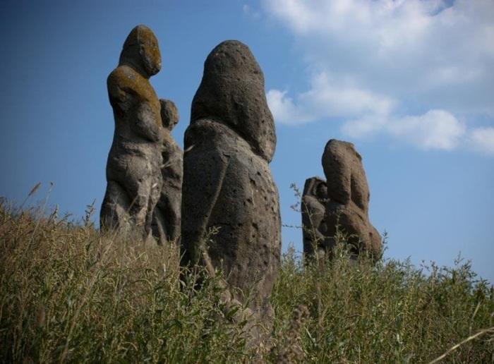 Бабы - древние исполины - встречаются не только на Украине. /Фото:rgdn.info