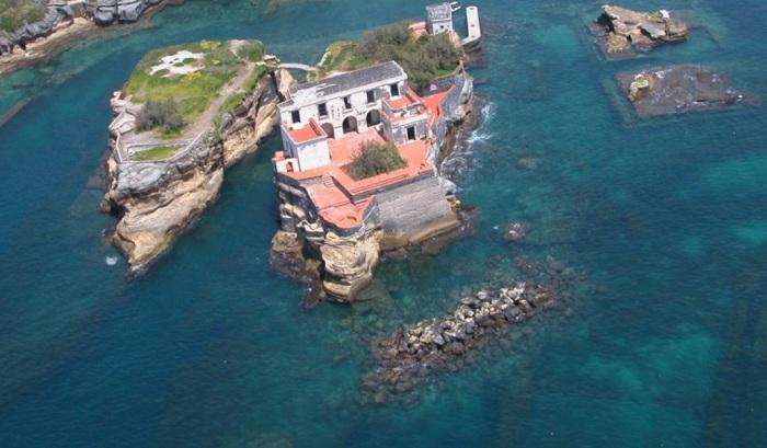 Живописный двойной остров окутан легендами и мифами. /Фото:biletbayi.com