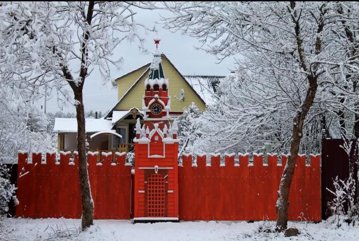 Кремль в поселке Сазоново зимой. /Фото: страница архитектора в соцсети.