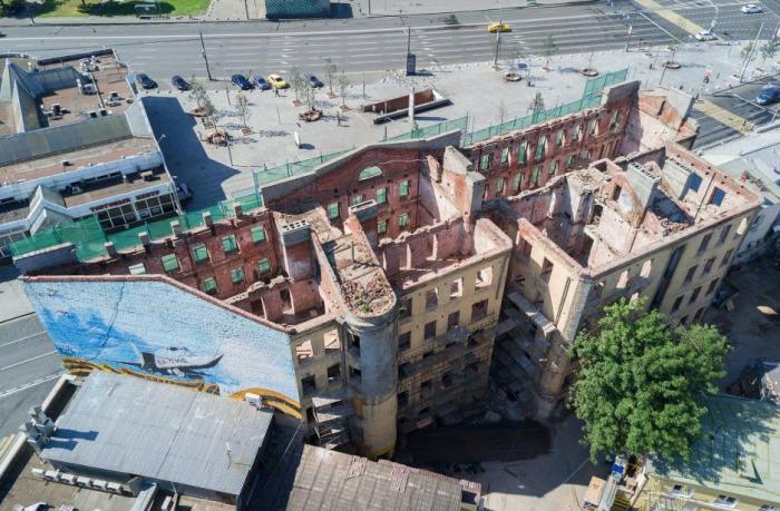 Дом во время реставрации./Фото: skyscrapercity.com, пользователь: quantum