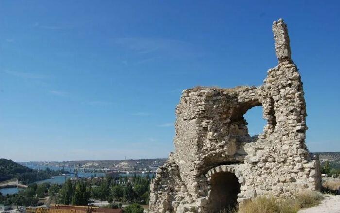 Крепость разрушена не в первый раз. /Фото:toptopkrym.ru