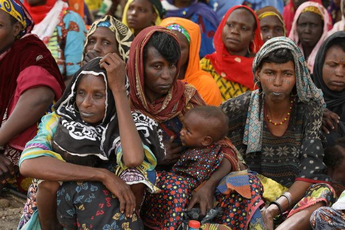 В стране почти нет стариков. Большинство граждан умирают в молодом возрасте. /Фото:pixmafia.com