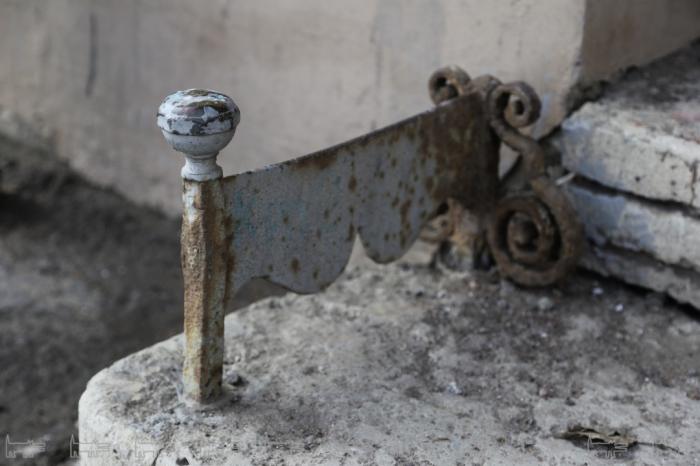 Каждый дореволюционный декроттуар уникален. /Фото: sobaka.ru