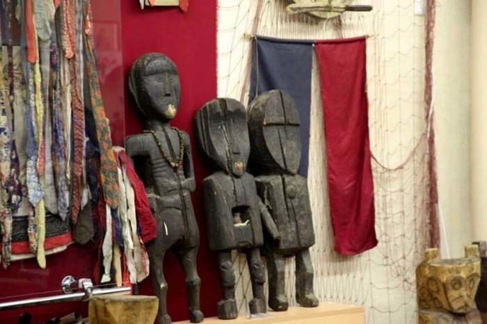Деревянные идолы гольдов. /Фото:openarctic.info