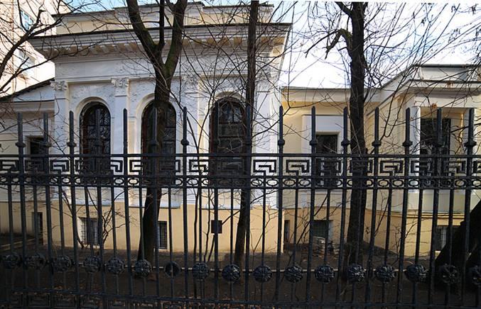 Расположение этого дома соответствует тому, что указано в романе. /Фото:vlasevsky.ru