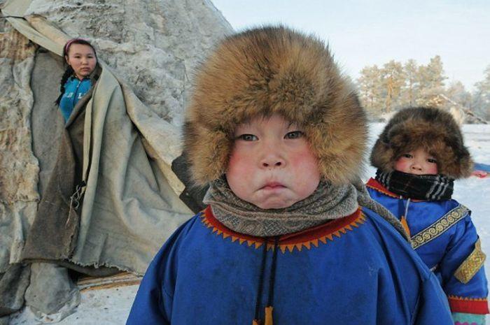 Какую одежду сегодня носят коренные народы Крайнего Севера, живущие вдали от больших городов.
