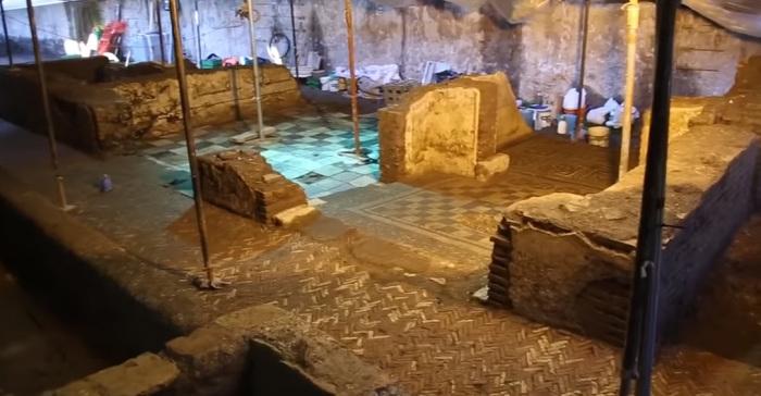 Древний дом римского военачальника. /Кадр из видеосюжета Rusty's Archaeology Zone на youtube