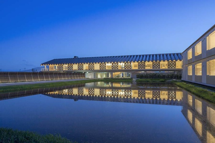 Отель, построенный по проекту Сигэру Бана.