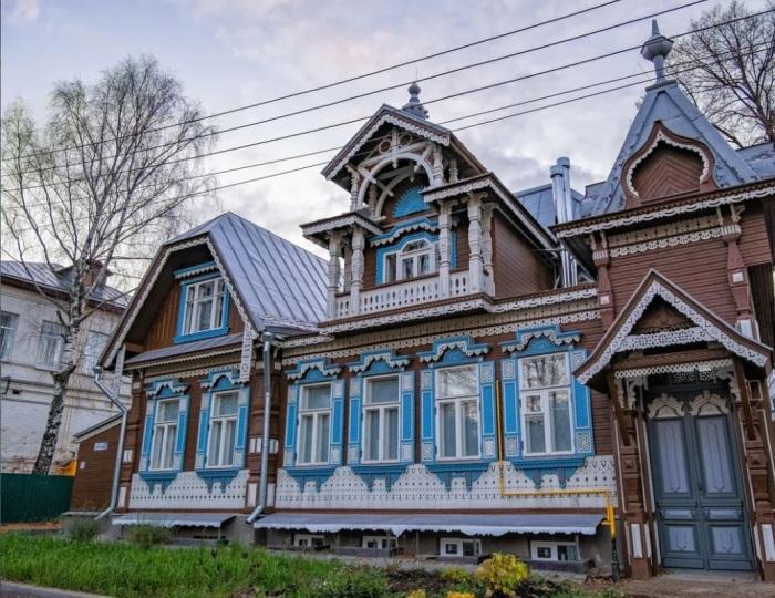 Теремок в Нижнем в своем обновленном виде (реплика старого особняка). /Фото:autotravel-nn.ru