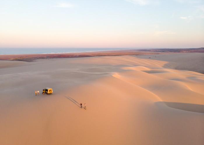 Бескрайняя пустыня. /Фото:naturalselection.travel