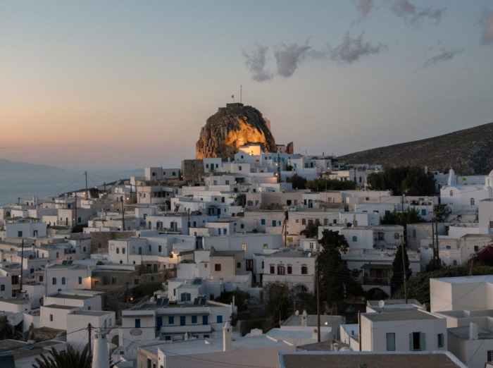 Этот красивейший остров стал ее пристанищем, но она предпочитает жить вдали от города. /Фото: Chiara Goia, nationalgeographic.com