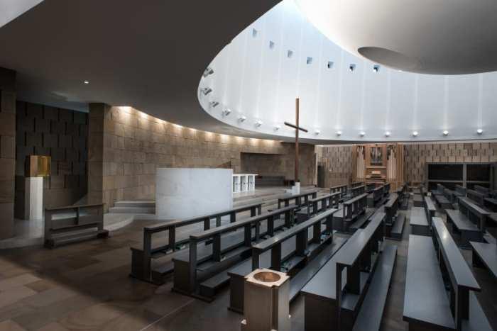 Внутренний интерьер церкви/Фото: Марио Феррара