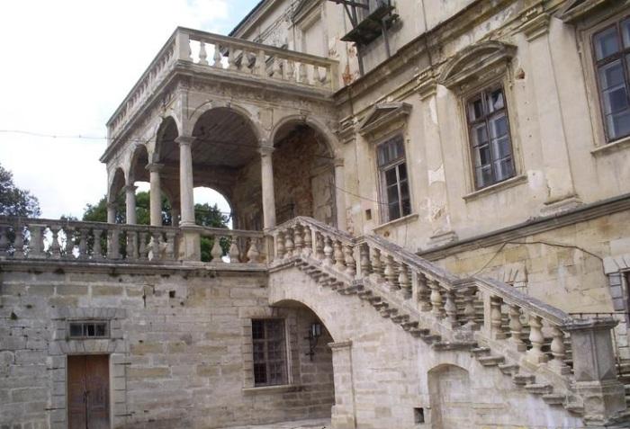Завсю историю существования замка его приходилось реставрировать несколько раз/temaretik.com