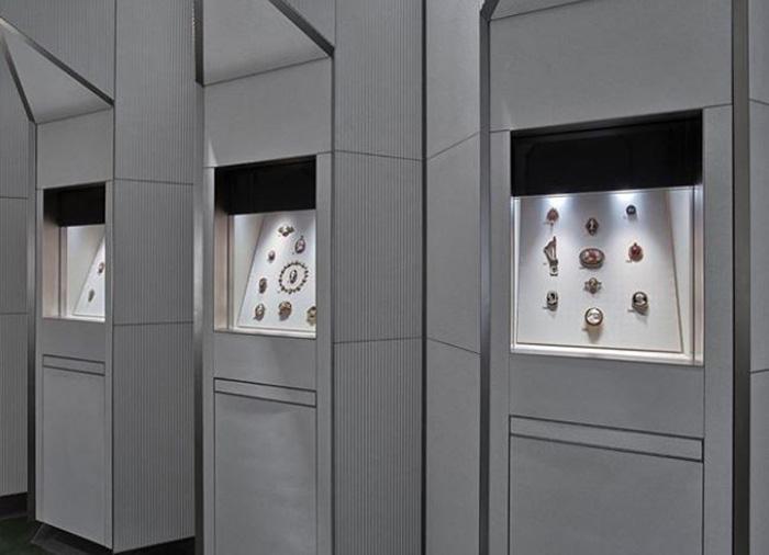 Выставка драгоценностей в Лондоне.