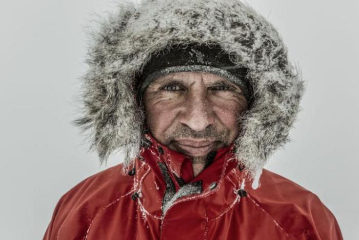 За плечами британца огромный опыт антарктических экспедиций и тяжелая потеря./Фото:Rene Koster
