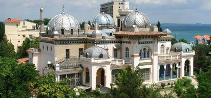 Общий вид дачи Стамболи. /Фото:planetofhotels.com