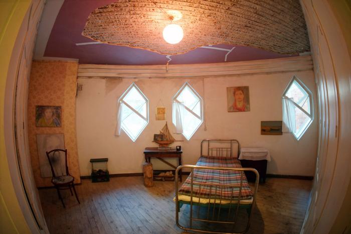 В круглых комнатах, как оказалось, очень комфортно.. / Фото:strana.ru