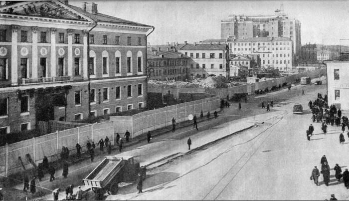 Перемещение здания Моссовета. /Фото:pastvu.com