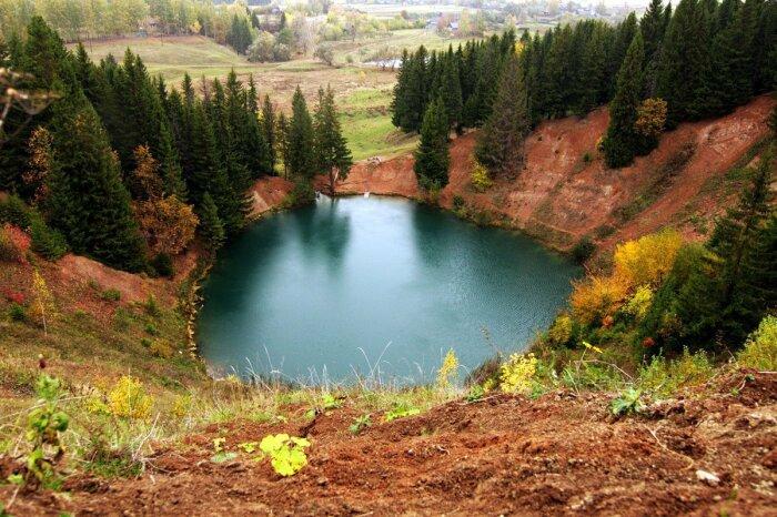Озеро в осеннюю пору. /Фото:fotocdn.net