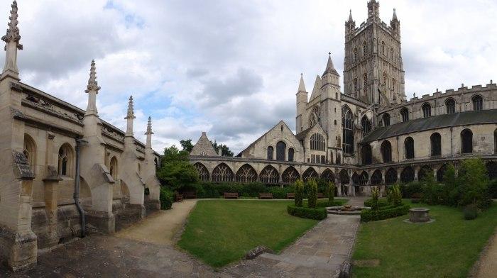 В здании сочетаются несколько стилей, ведь в течение веков оно видоизменялось. /Фото:sergeyurich.livejournal.com