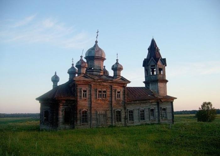 Так храм выглядел за год до пожара. /Фото:chur.gorod.tomsk.ru