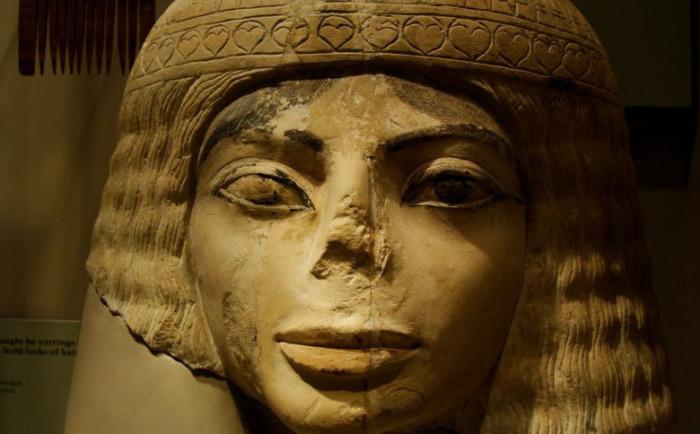 Почти полное отсутствие носа археологи объясняют естественными причинами. Фото: Лукас Ливингстон, ancientartpodcast.org
