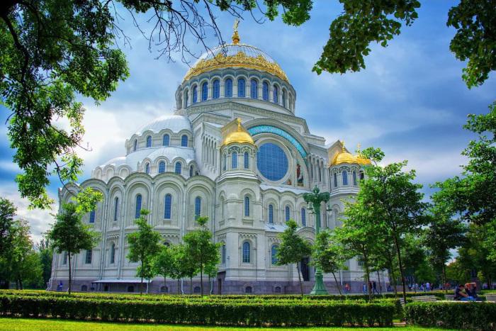 Храм в Кронштадте. /Фото:excursspb.ru/