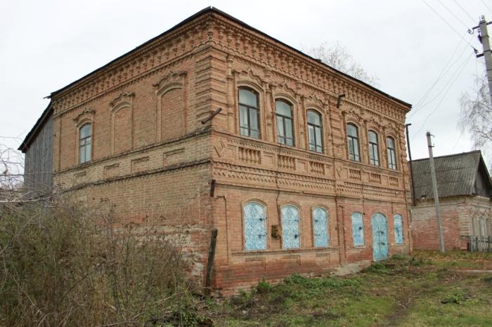 Теперь в этом здании Дом куkьтуры. /Фото:hautiev-sh.livejournal.com
