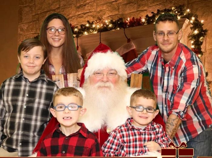 Джессика с семьёй.