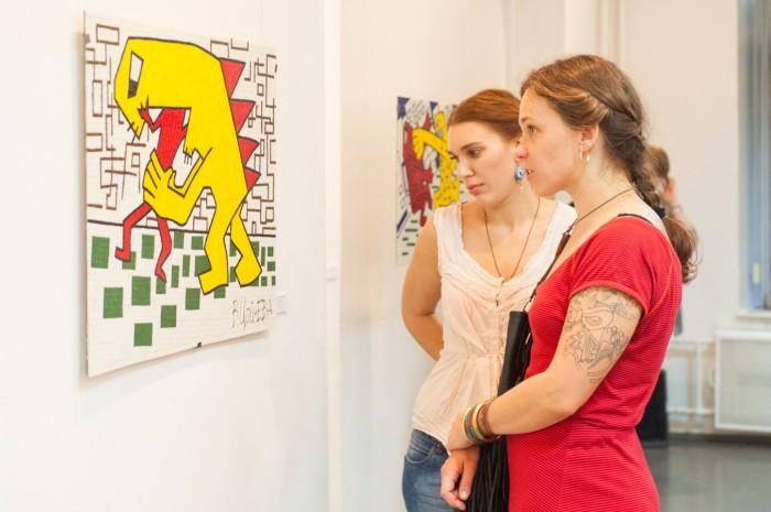 Выставка мозаик, созданных на основе картин В.Цоя. Москва, 2015. /Фото:m24.ru